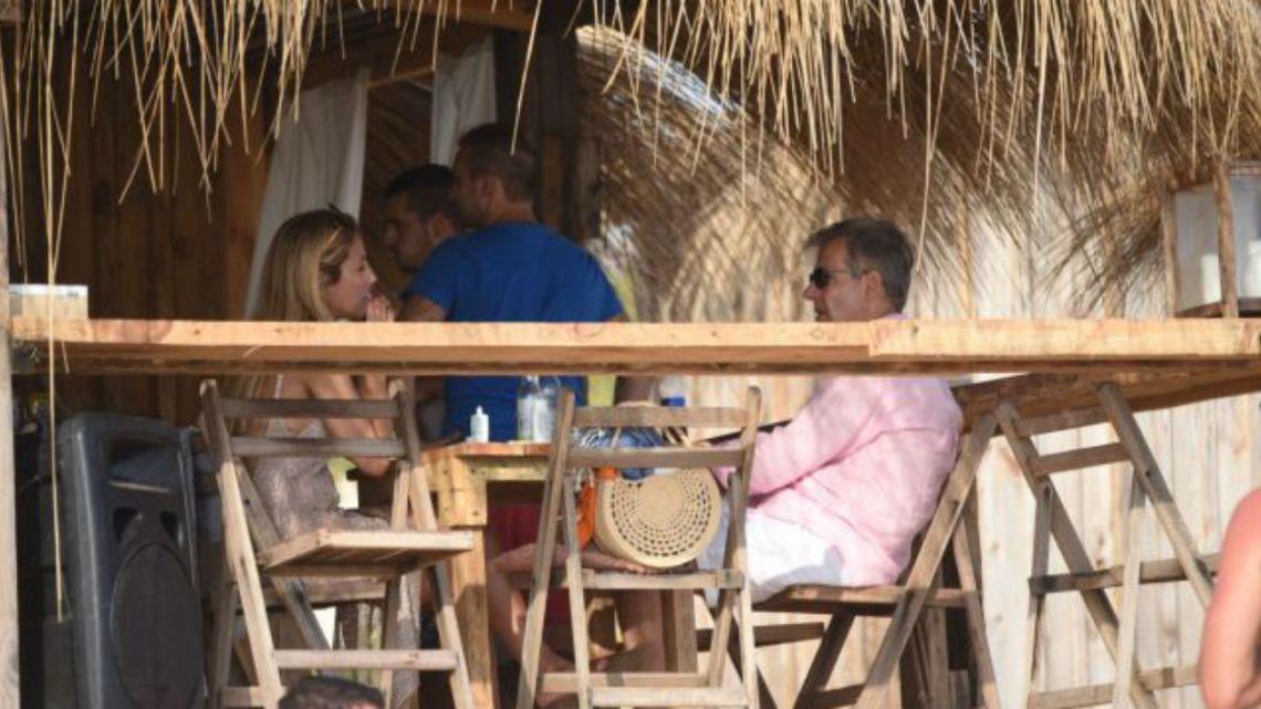 FOTOS | Mientras Salazar llegaba a Punta, Redrado se mostró con su novia en la playa