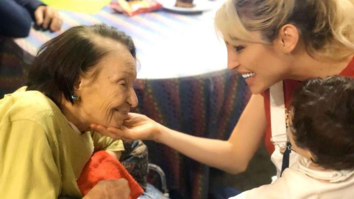 El emotivo video de Vicky Xipolitakis por la muerte de su abuela