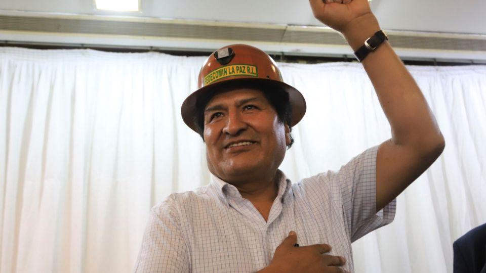 Evo Morales encabezó una reunión con dirigentes del MAS en Buenos Aires.