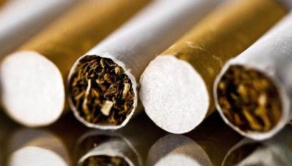 Las tabacaleras se pelean entre ellas.