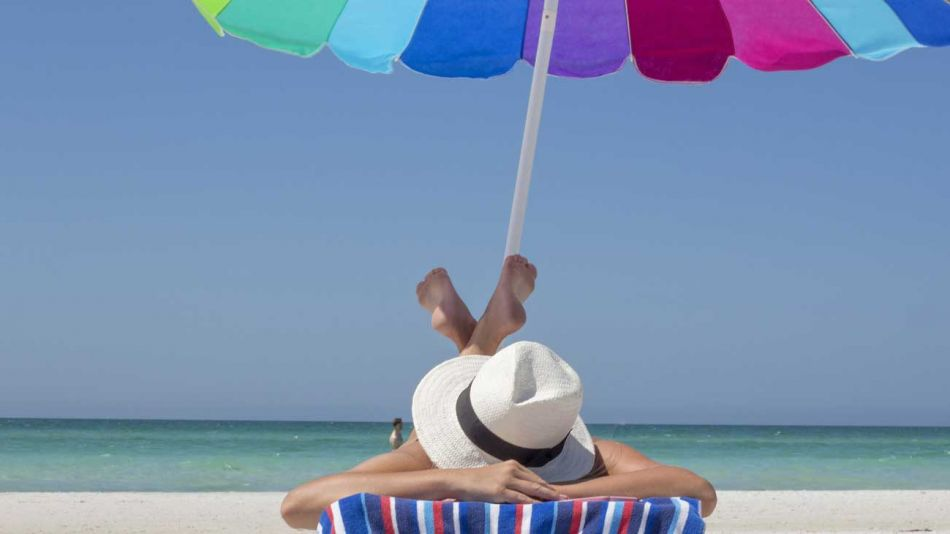 tomar-sol-tomando-sol-verano-playa
