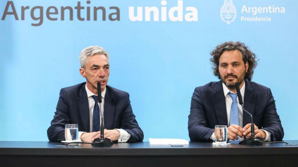 El jefe de Gabinete, Santiago Cafiero, y el ministro de Transporte, Mario Meoni, en conferencia de prensa.