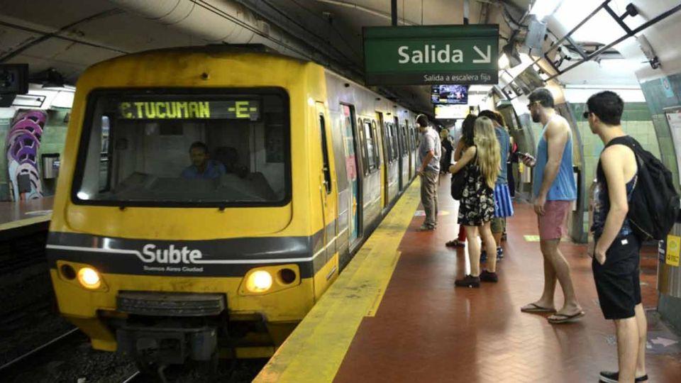 Los Metrodelegados se metieron en la polémica por el regreso a clases.