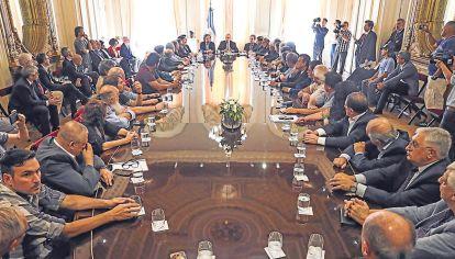 Acuerdo. Sindicalistas y empresarios se reunieron la semana pasada para acompañar a Alberto Fernández en la renegociación de la deuda y apoyar las medidas económicas en medio de la crisis.