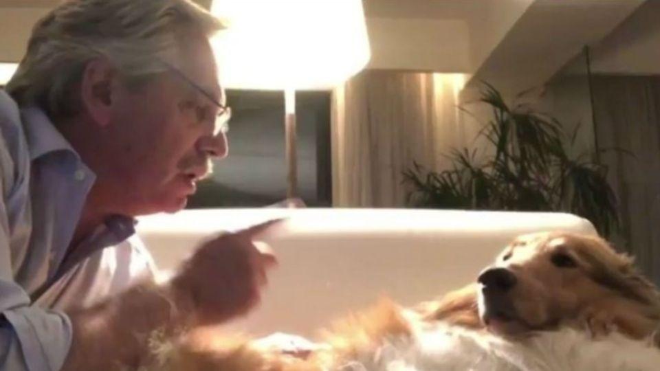 El presidente, Alberto Fernández saludó a su perro, Dylan en el día de su cumpleaños