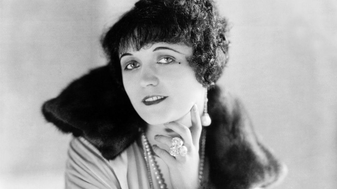 El 3 de enero de 1897, nacía una gran estrella del cine mudo, Pola Negri, quien moriría 90 años más tarde de una neumonía.