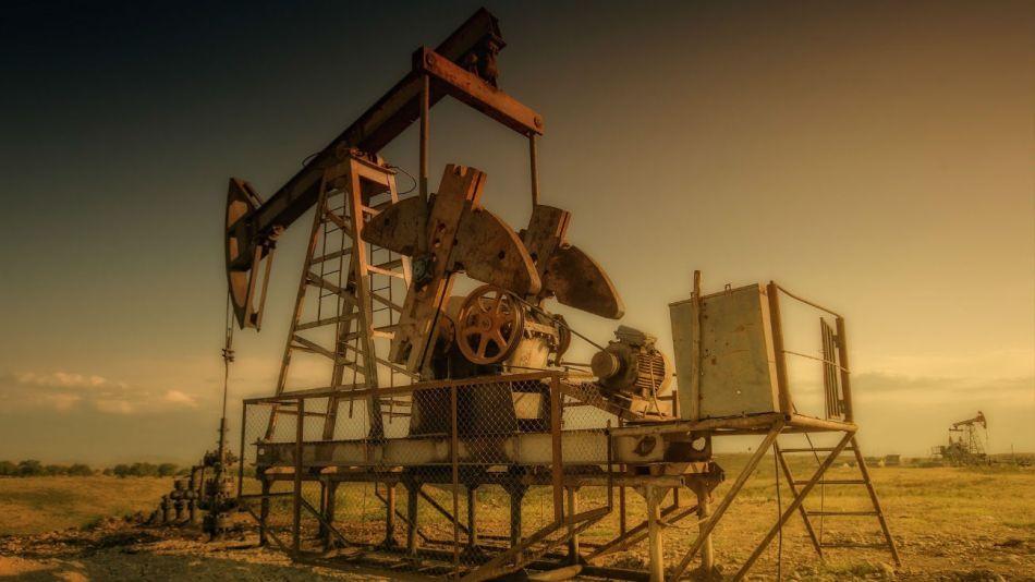 Los precios del petróleo subieron después de que Irán atacó dos bases estadounidense-iraquíes en su primera respuesta al asesinato de Soleimani.