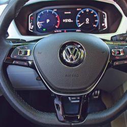 El volante multifunción también tiene una notable maniobrabilidad gracias al aporte de la asistencia eléctrica.