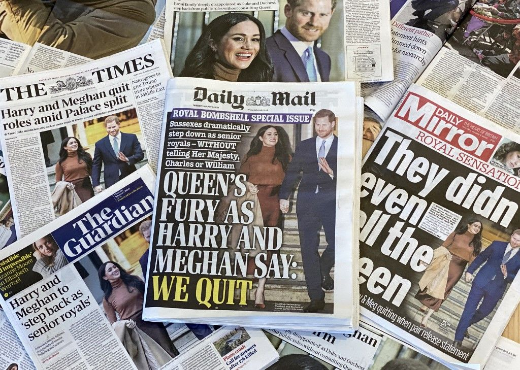"""Enrique, hijo menor del príncipe Carlos -heredero al trono-, y Meghan, una actriz californiana que renunció a su profesión al entrar en la familia real, anunciaron que se retiraban """"como miembros de primer rango de la familia real"""" para """"adquirir independencia financiera""""."""