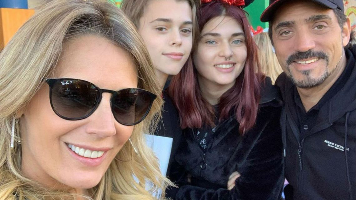 Rocío Marengo y los hijos de Ricardo Fort, de vacaciones en Disney