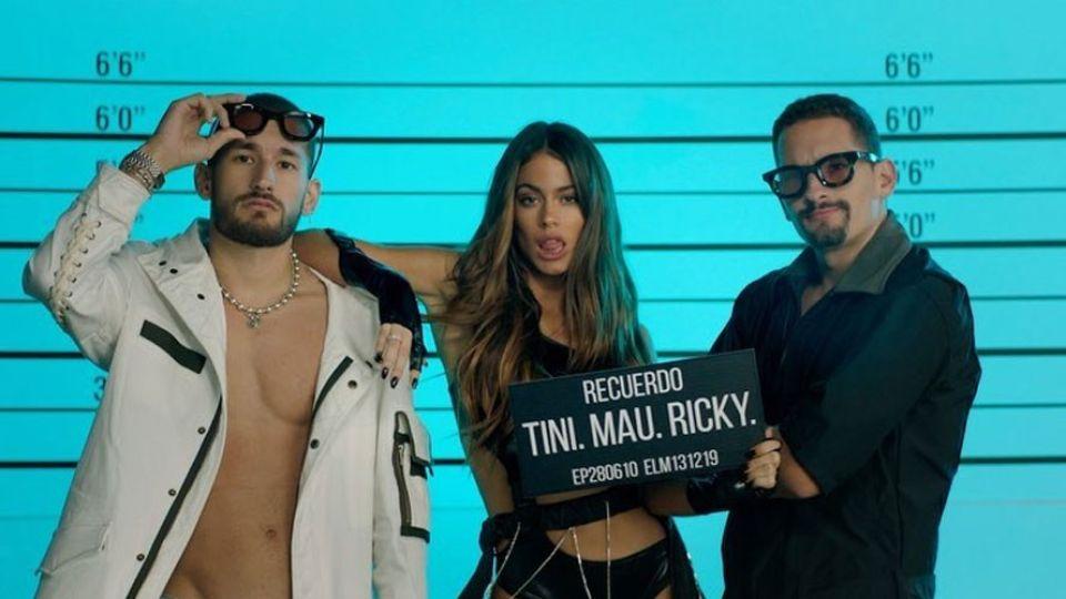 """""""Recuerdo"""": Tini estrenó candente video junto a Mau y Ricky"""