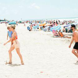 Las románticas vacaciones de Gonzalo Heredia y Brenda Gandini en Mar del Plata