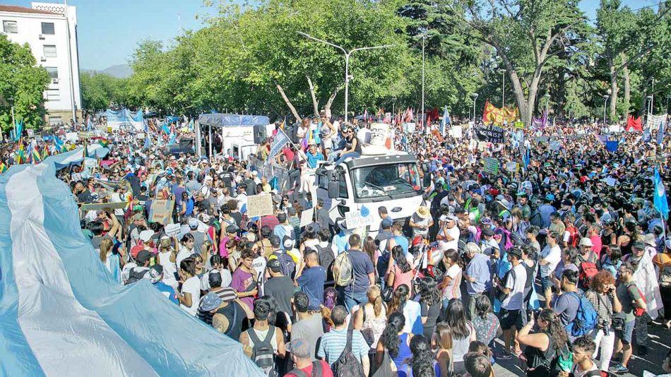 20200111_mendoza_agua_mineria_protesta_na_g.jpg