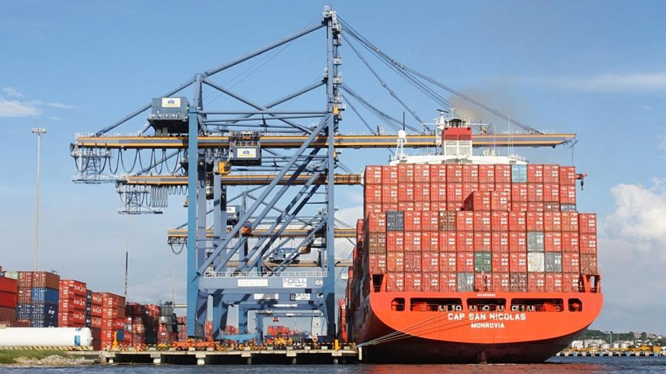 20201101_puerto_barco_containers_cedoc_g.jpg