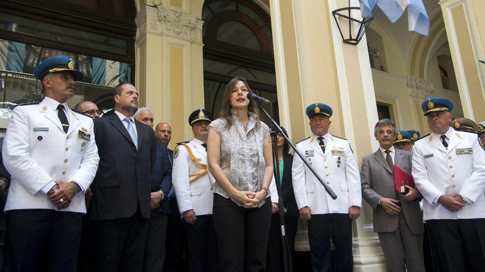 La ministra Frederic, cuando anunció a Hernández como nuevo jefe policial.