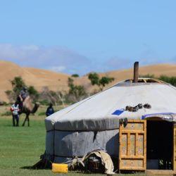 Gers: las tradicionales tiendas circulares de fieltro blanco de los nómades de Mongolia.