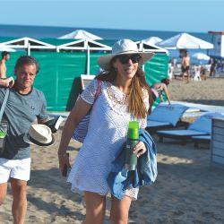 María Eugenia Vidal y Quique Sacco afianzan su amor en las playas de Pinamar