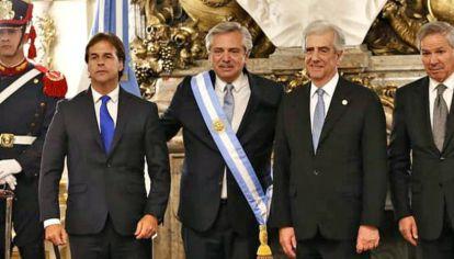 El 10 de diciembre, Luis Lacalle Pou acompañó al presidente Tabaré Vázquez a la toma de posesión de Alberto Fernández.