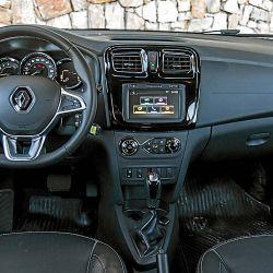 Renault Logan Intense CVT