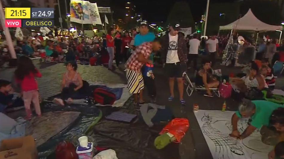 Las organizaciones que reclaman la libertad de Milagro Sala acampando en el Obelisco.