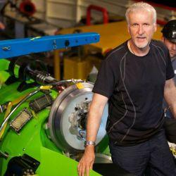 """""""Estuve tres horas explorando un fondo donde se cree que hay 750.000 especies marinas que no han sido formalmente catalogadas por la ciencia"""", afirmó James Cameron."""