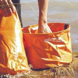 Muchas bolsas pequeñas pueden ayudarnos a ordenar mejor el contenido que una sola bolsa grande.
