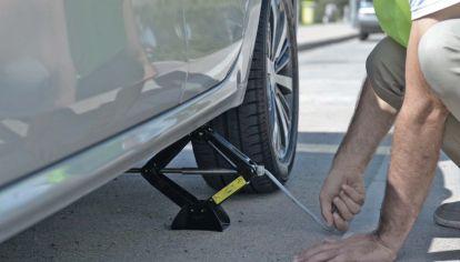 ¿Qué herramientas llevar en el auto para salir de viaje?
