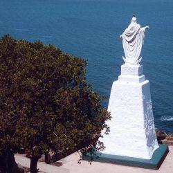 De espaldas, la Virgen Stella Maris parece un hombre.