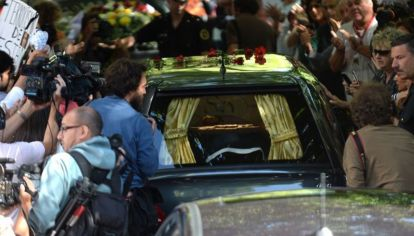 Los restos de Alberto Nisman fueron velados en una cochería del barrio porteño de Belgrano y luego, trasladados al cementerio de La Tablada.