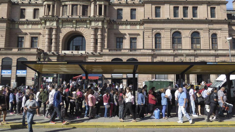 Se aumentará la frecuencia de las distintas líneas de colectivos que recorren el Metrobus del Bajo y el de la 9 de Julio.