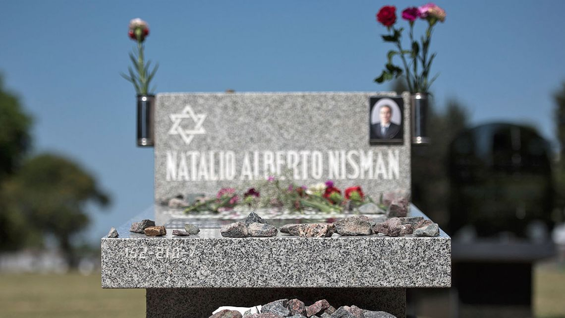 The questions surrounding Nisman's death should not be eluded even if not the beginning or end of anything.