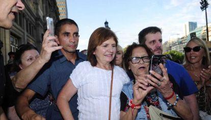 La ex ministra de Seguridad, Patricia Bullrich, asistió a la marcha por Nisman.