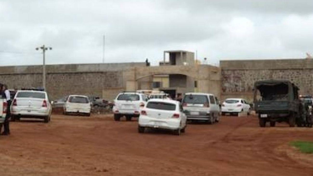 Túnel y fuga masiva en una cárcel paraguaya, en la frontera con Brasil
