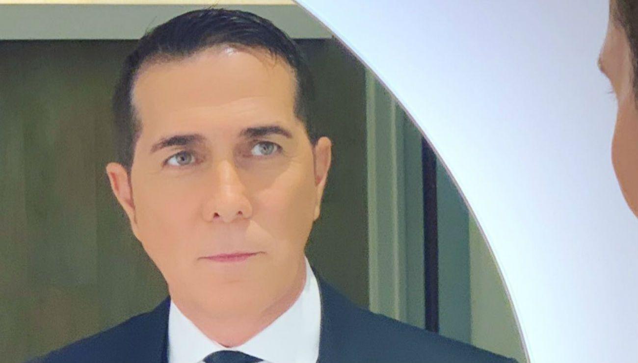Rodolfo Barili en una playa paradisíaca con una mujer: ¿hay romance?