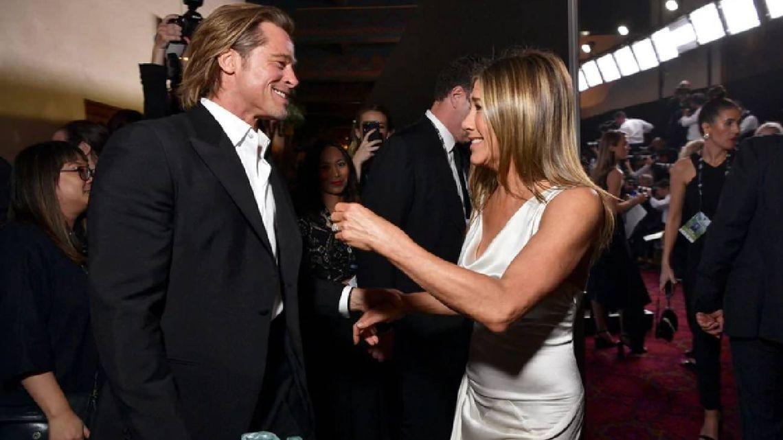 Qué dijo Jennifer Aniston sobre el viral accionar de Brad Pitt en los SAG Awards