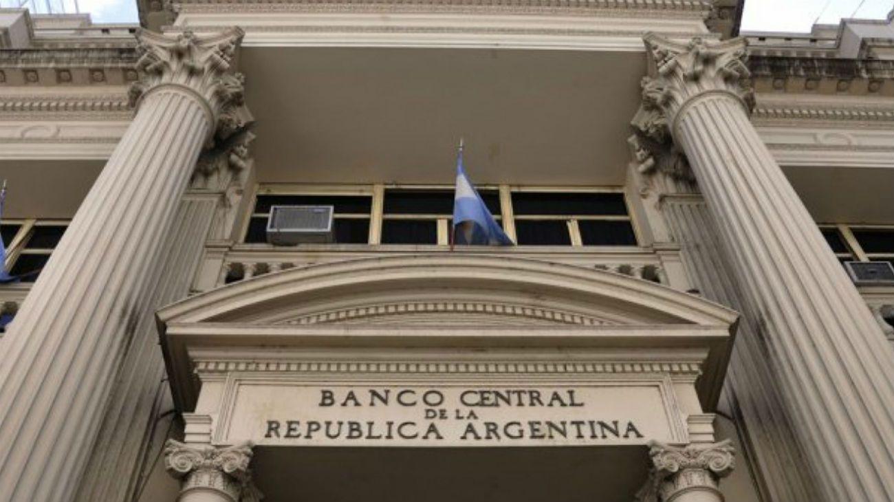 El BCRA informó que en diciembre las reservas brutas alcanzaron a u$s 44.781 millones. Cuánto se compró para viajes y atesoramiento.