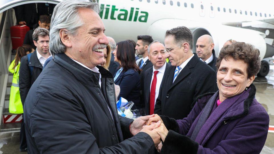 El Presidente Alberto Fernández llegó a Israel acompañado por su mujer Fabiola Yañez.