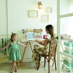 Su hija Trini fue su gran inspiración y ayuda para sus proyectos digitales