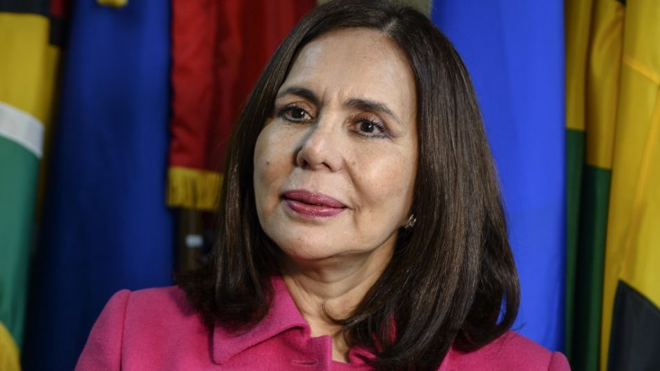 La canciller del gobierno interino de Bolivia, Karen Longaric