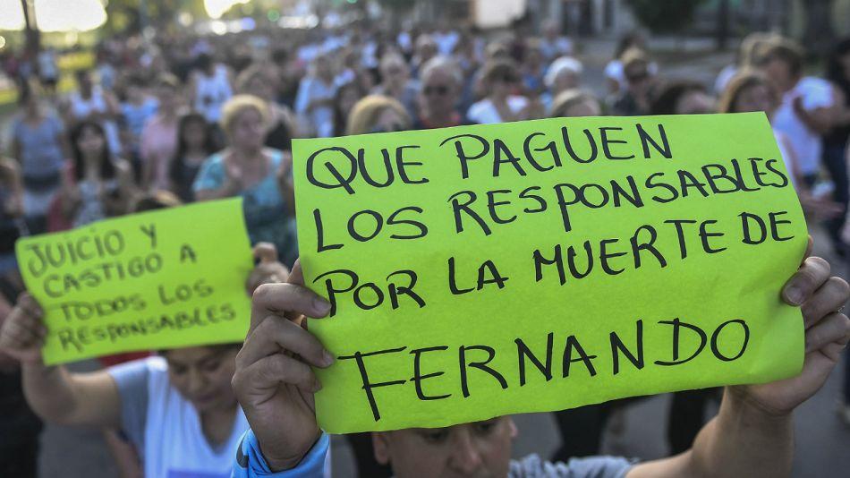 Vecinos de Zárate reclamaron Justicia por Fernando Báez Sosa.