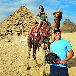 La excéntricas vacaciones de Lisandro Borges y Mariana Gersztein en Egipto