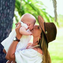 Luisa Drozdek presenta a su primera hija, Delfina, de cinco meses
