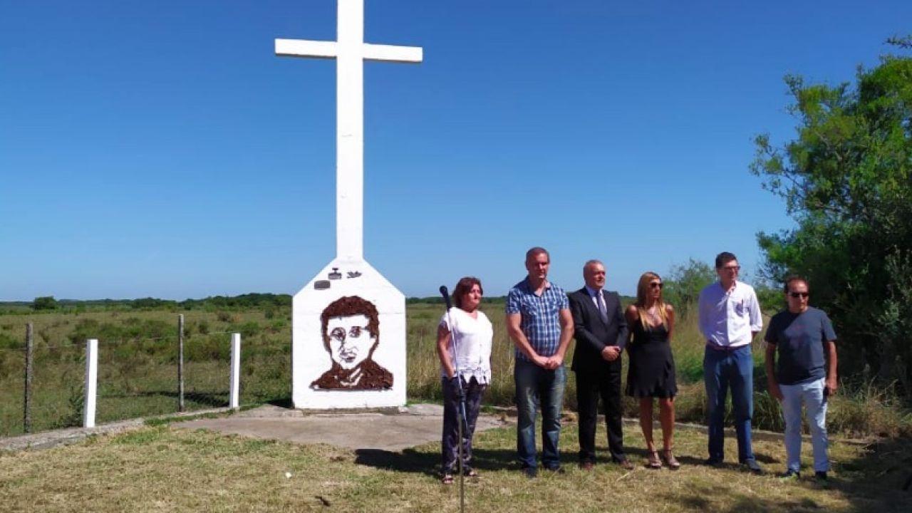 Homenaje a Cabezas en Madariaga | Foto:Cedoc