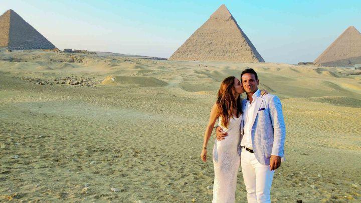 Las excéntricas vacaciones de Lisandro Borges y Mariana Gersztein en Egipto