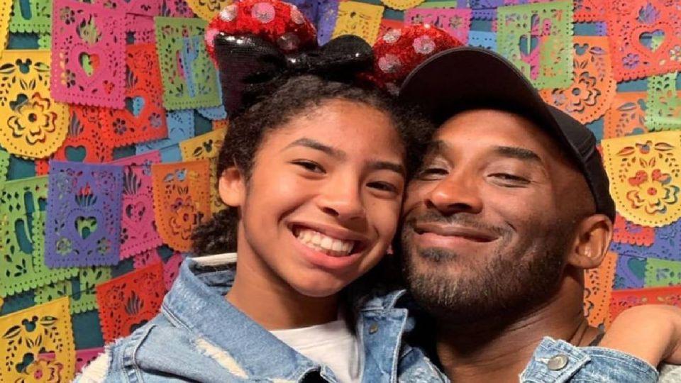 Kobe Bryant y su hija de 13 años, Gigi.