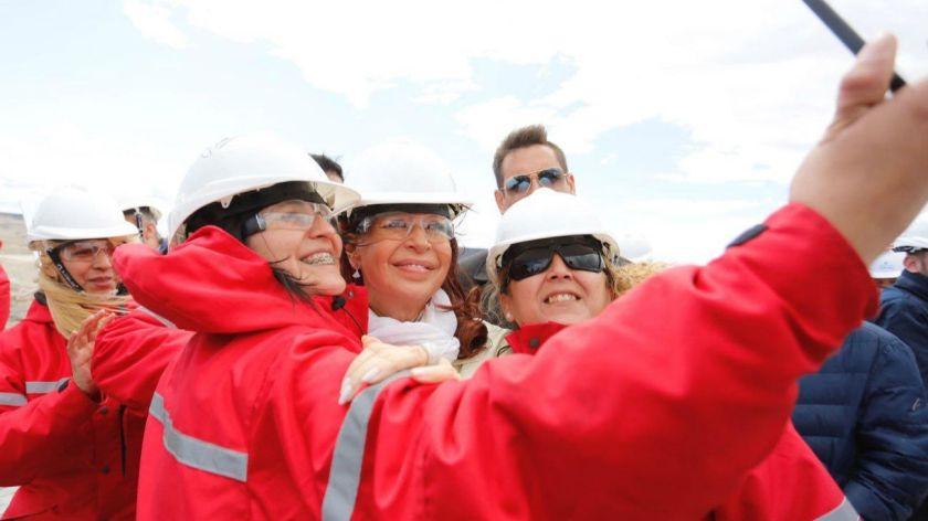 Cristina recorrió obras de dos represas en el río Santa Cruz - Actualidad