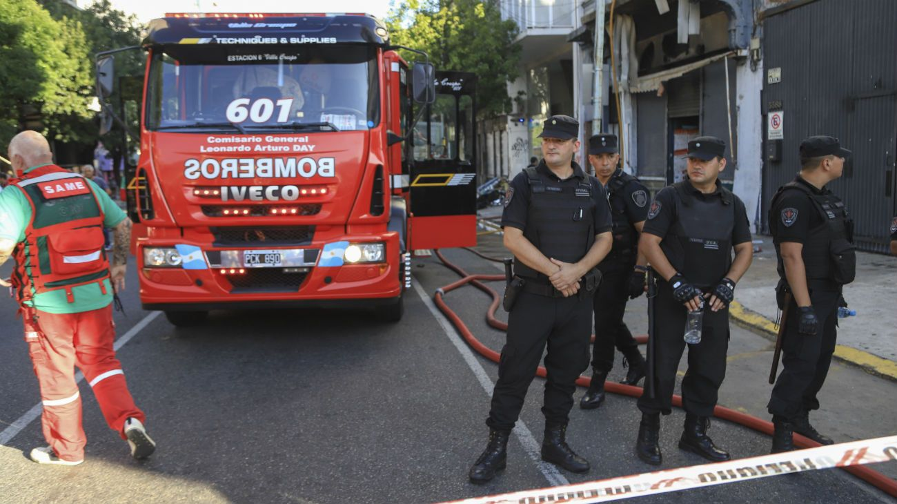 Se incendió un supermercado chino en Palermo: murió una mujer que quedó atrapada