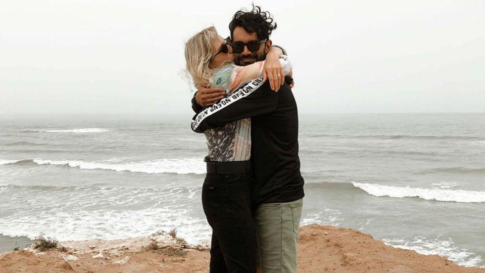 Brenda Gandini y Gonzalo Heredia se mostraron acaramelados en la playa