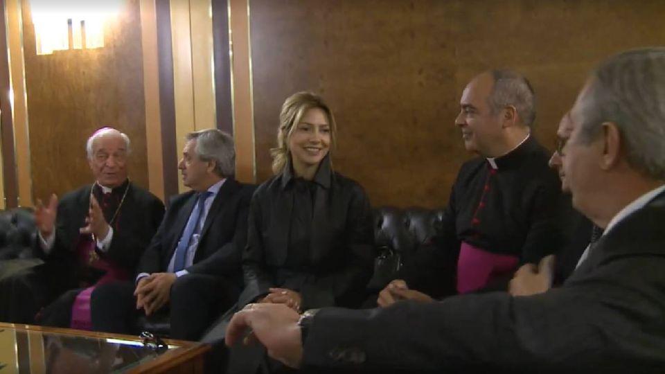 Así fue el paso de Fabiola Yáñez junto a Alberto Fernández por el Vaticano