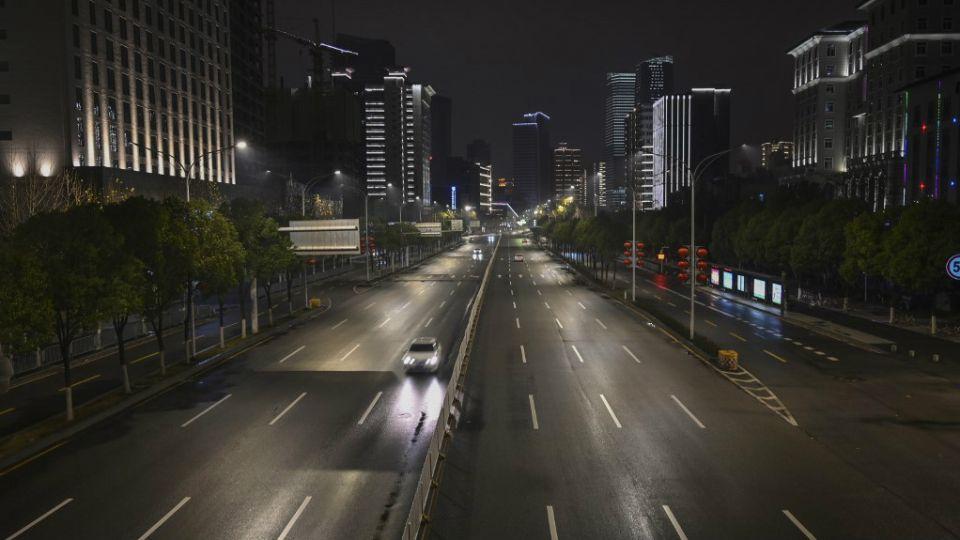 La ciudad china de Wuhan, donde nació el nuevo coronavirus, paralizada.